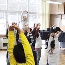 鍬ケ崎小学校でラッタッタ呼吸体操